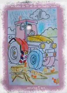 Capucine conduit son tracteur tres feminin