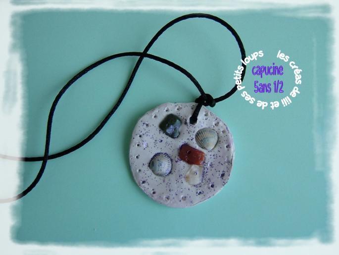 Medaillon pour maman de capucine