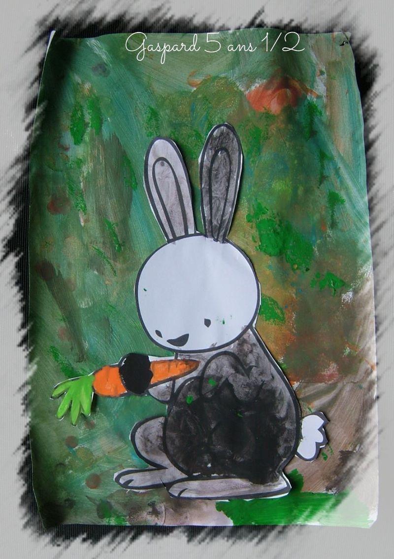 Lapin qui va manger une carotte gaspard