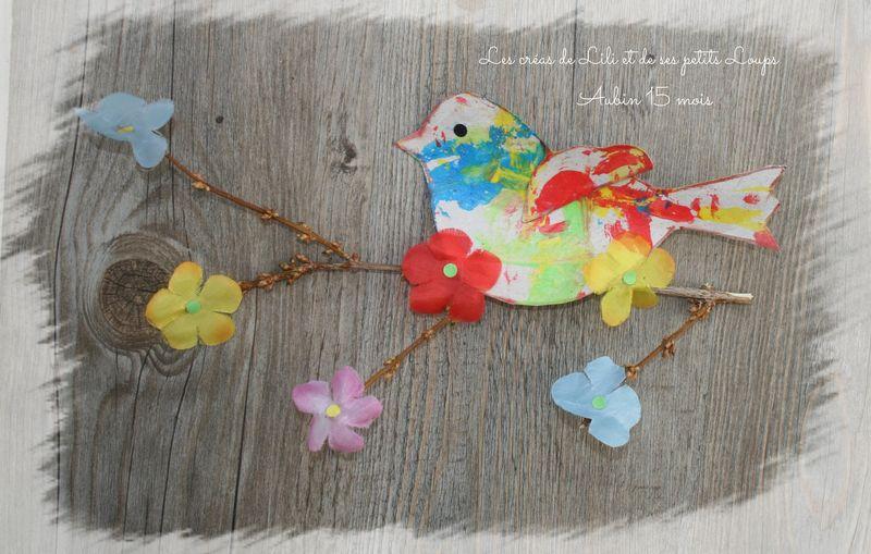 L'oiseau sur la branche fleurie d'aubin