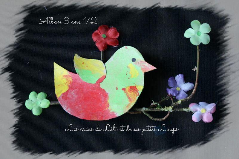 L'oiseau sur la branche fleurie d'alban