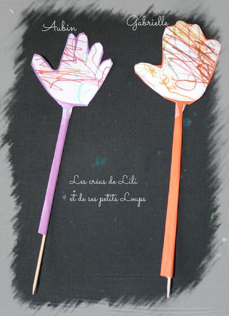Fleur main pour feter nos maman