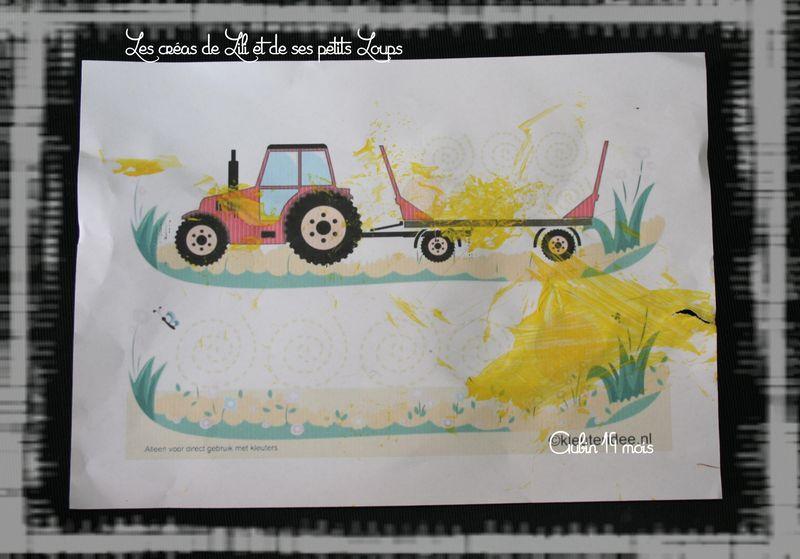 Aubin  graphisme sur tracteur et sa remorque de ballots de paille